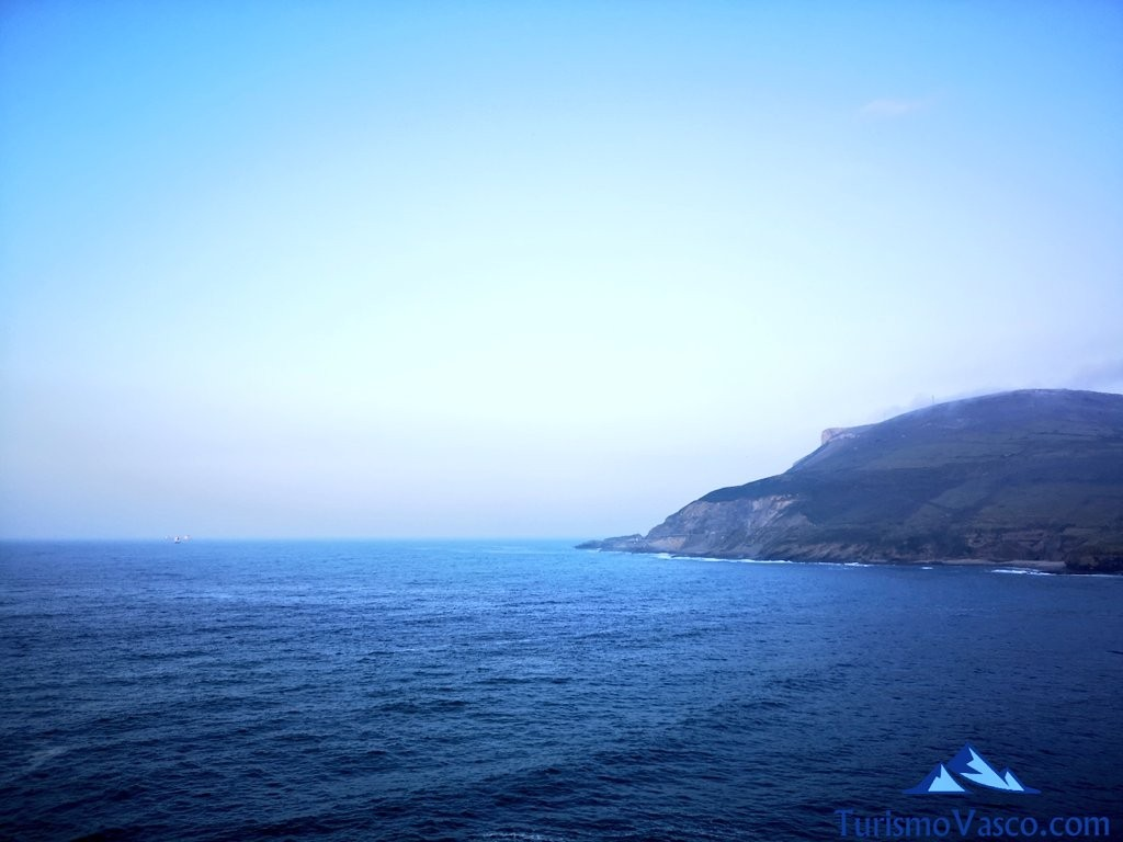 paseo itsaslur, mar entre pobeña y kobaron