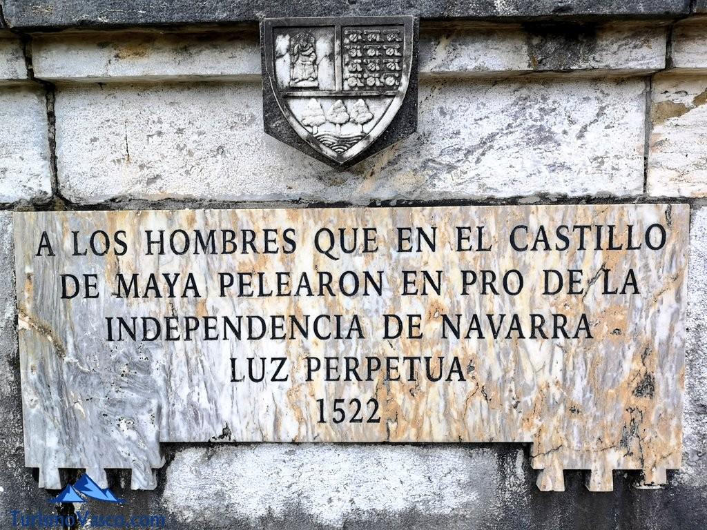 placa en honor a los soldados del castillo de amaiur