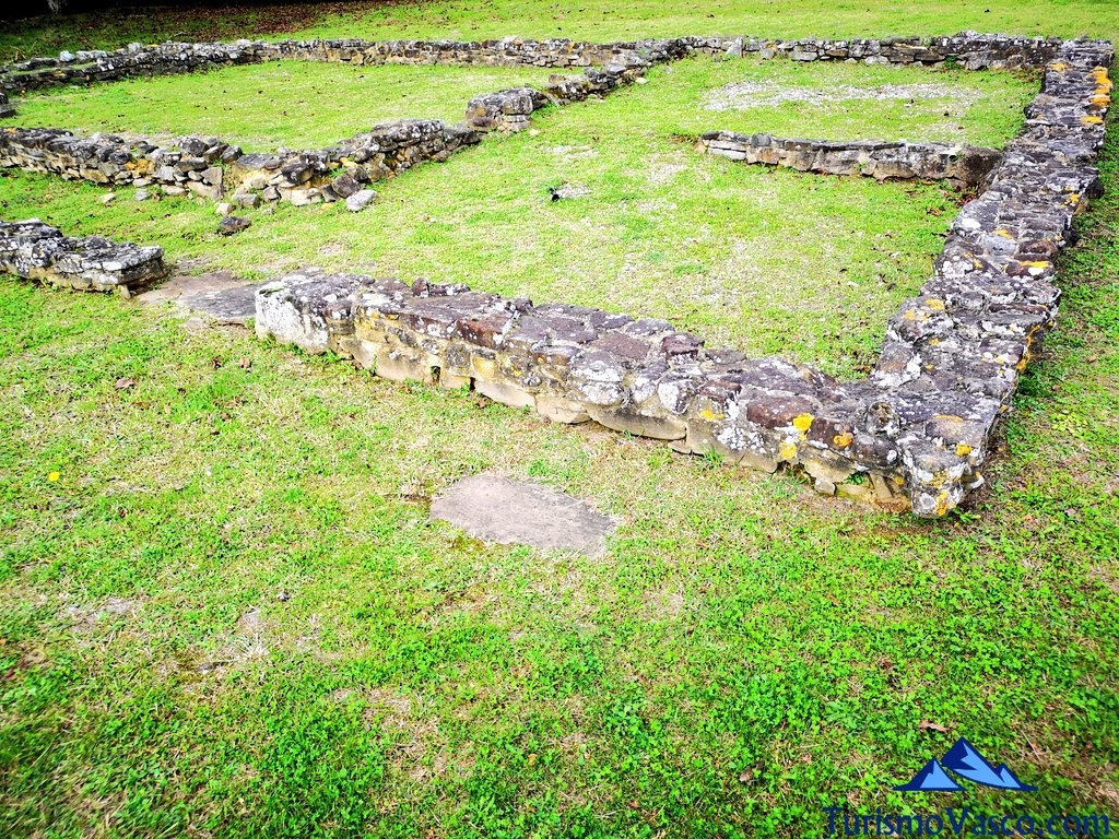 Ruinas del asentamiento romano de forua, ruta Urdaibai Gernika Kortezubi