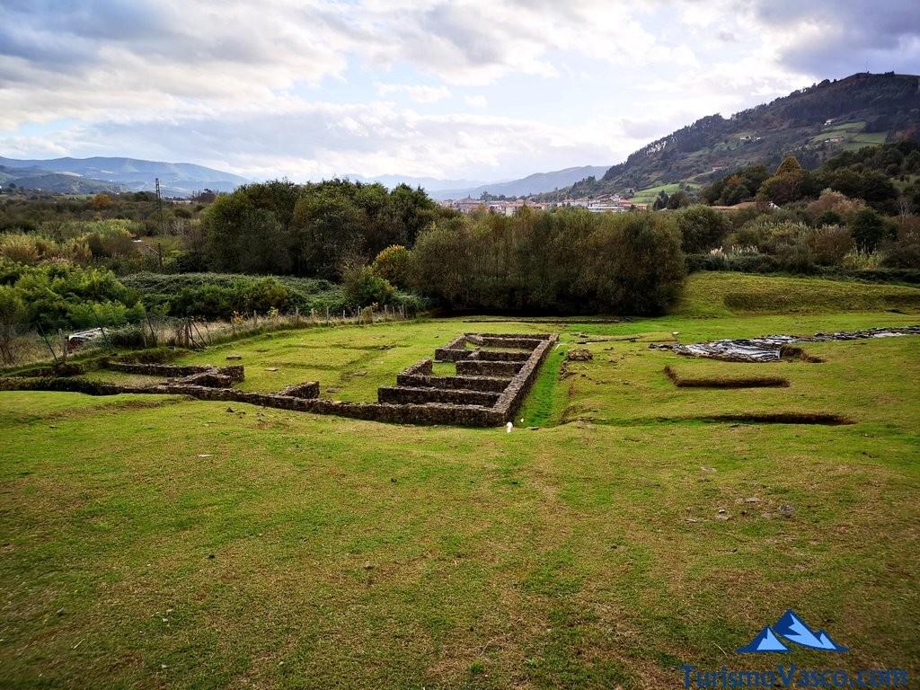 Vistas del asentamiento romano de forua, ruta Urdaibai Gernika Kortezubi