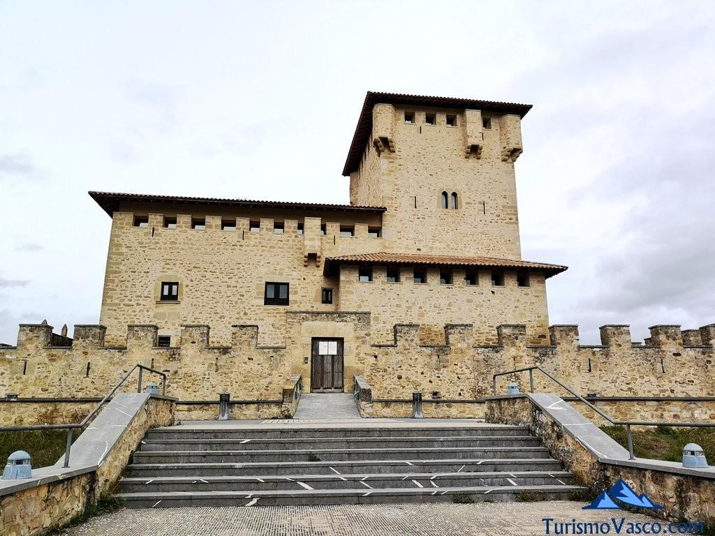 entrada Torre Palacio de los Varona