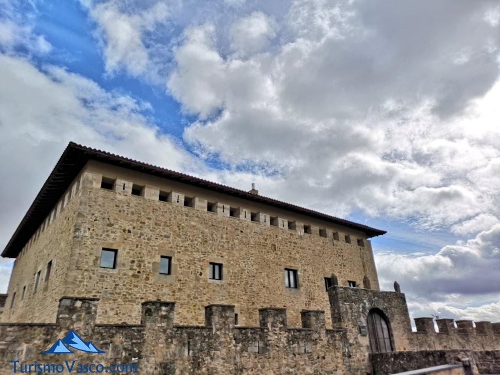exterior Torre Palacio de los Varona