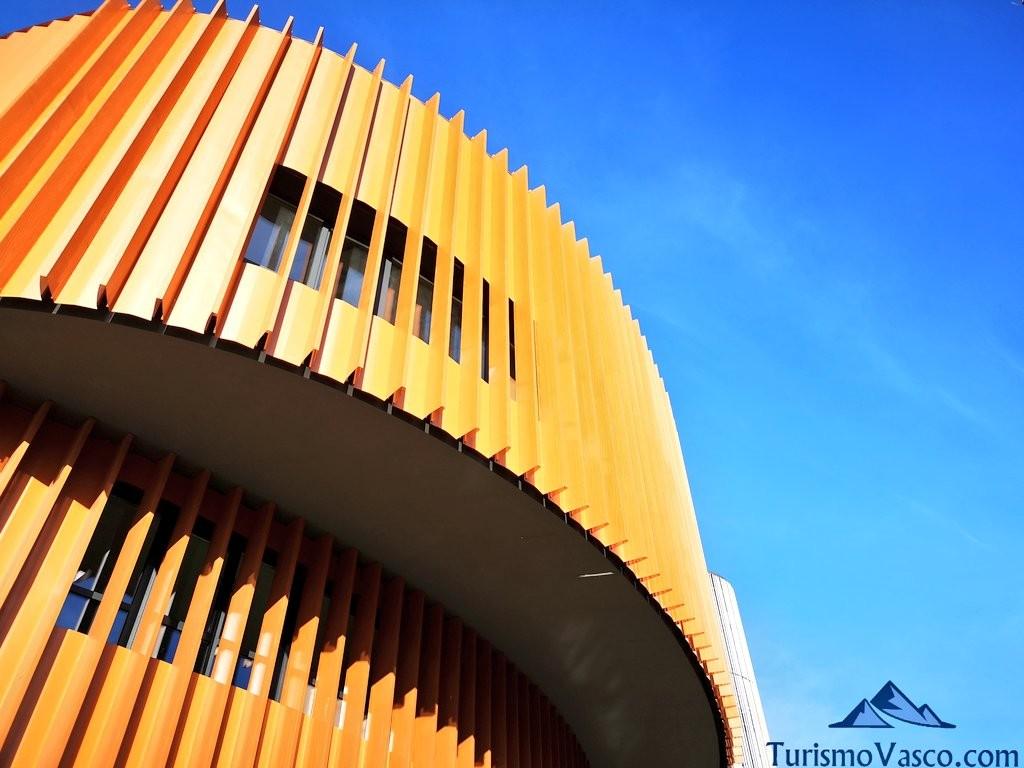 fachada principal palacio de los congresos europa vitoria gasteiz