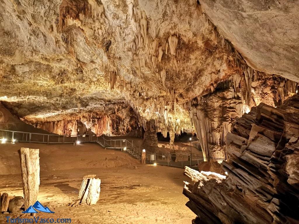 sala Cueva de Pozalagua