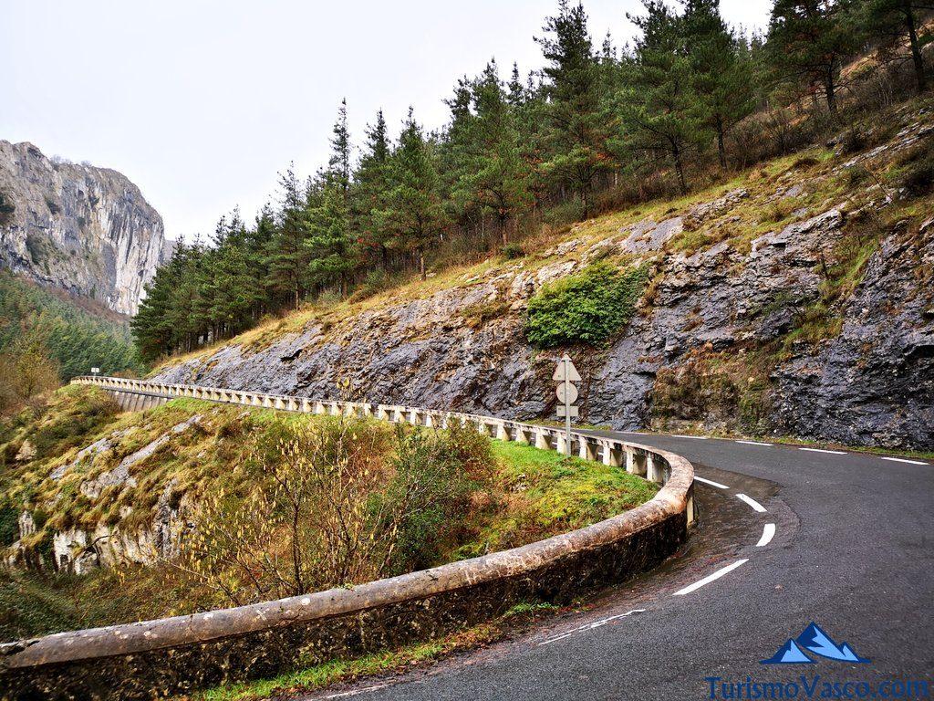 carretera Oñati , Santuario de Arantzazu