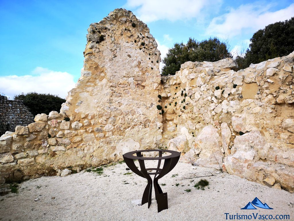 escultura, Castillo de Portilla