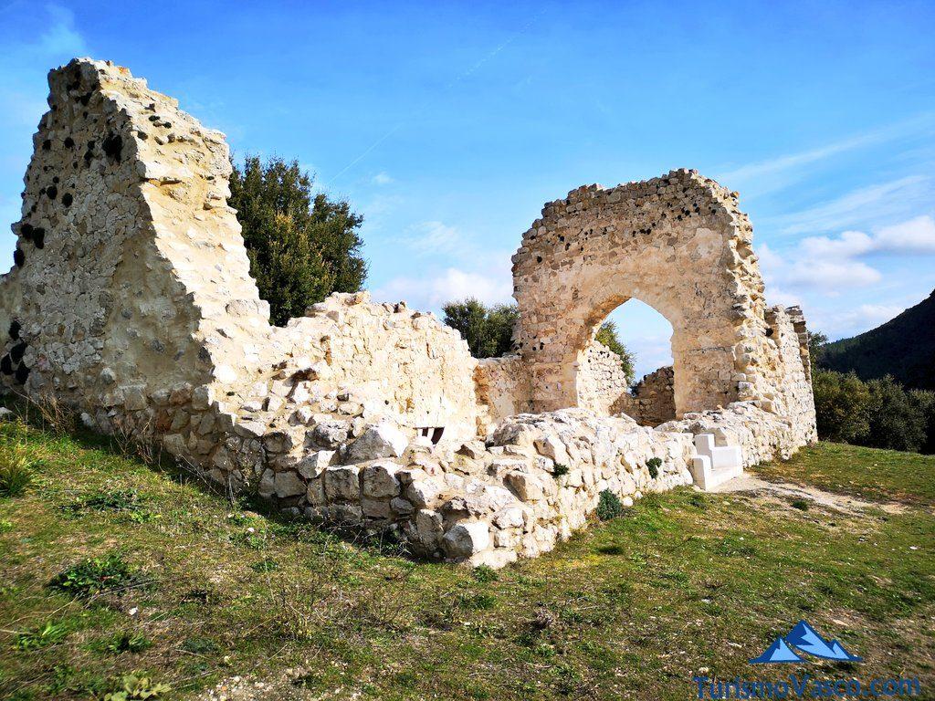 iglesia de Samta Maria, Castillo de Portilla