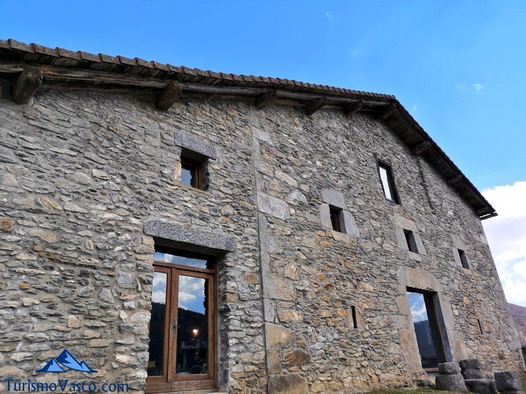 caserio Peru Harri, el museo de Perurena
