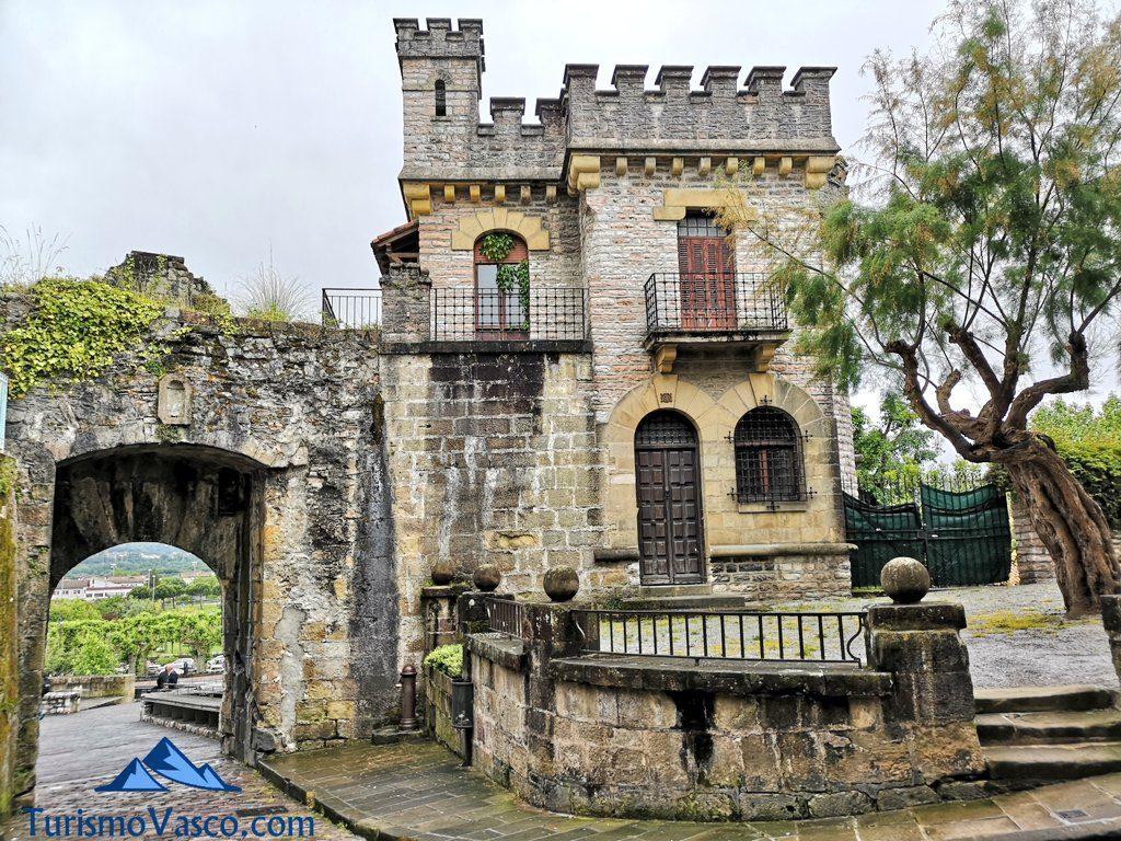 kale nagusia muralla, Hondarribia que ver
