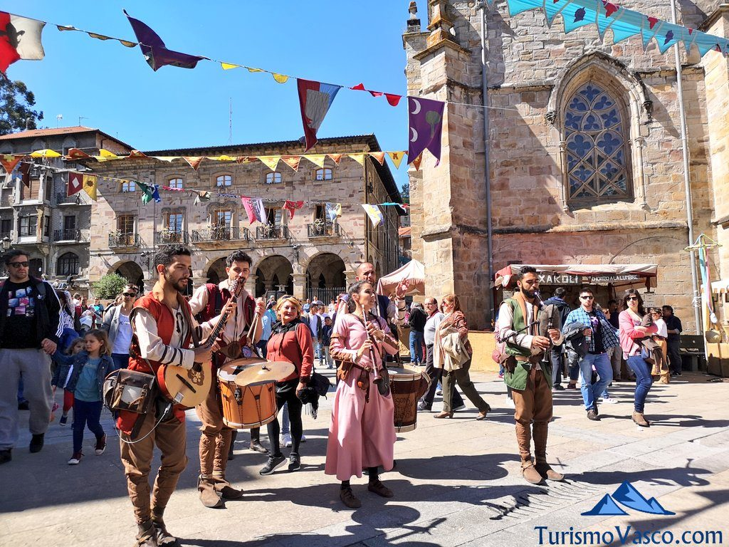 musica callejera, feria medieval balmaseda