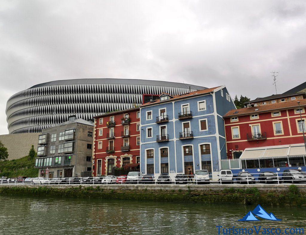 san mames desde la ria de Bilbao, rutas en velero en Getxo
