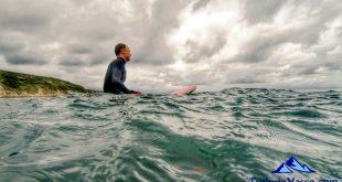 esperando la ola ,surf en getxo