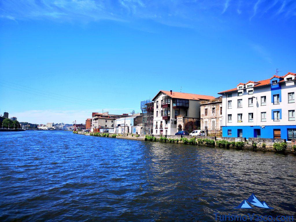 Isla de zorrozaurre, rutas en Barco en Bilbao