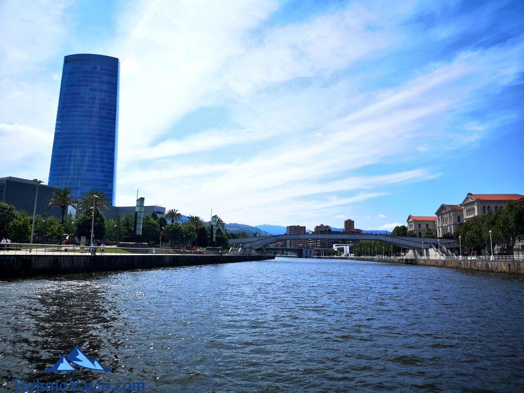 torre iberdrola desde la ria, rutas en Barco en Bilbao