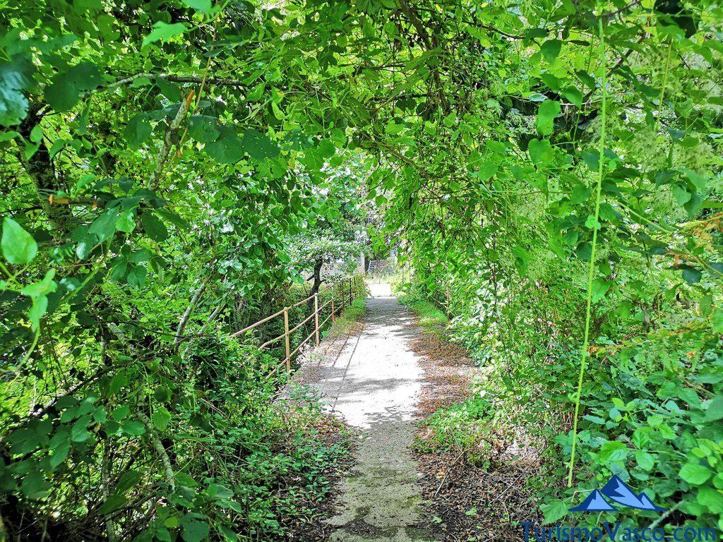 camino verde, Nacedero del río Zirauntza