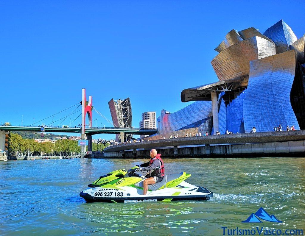 puente la salve, alquiler de motos de agua en Bilbao
