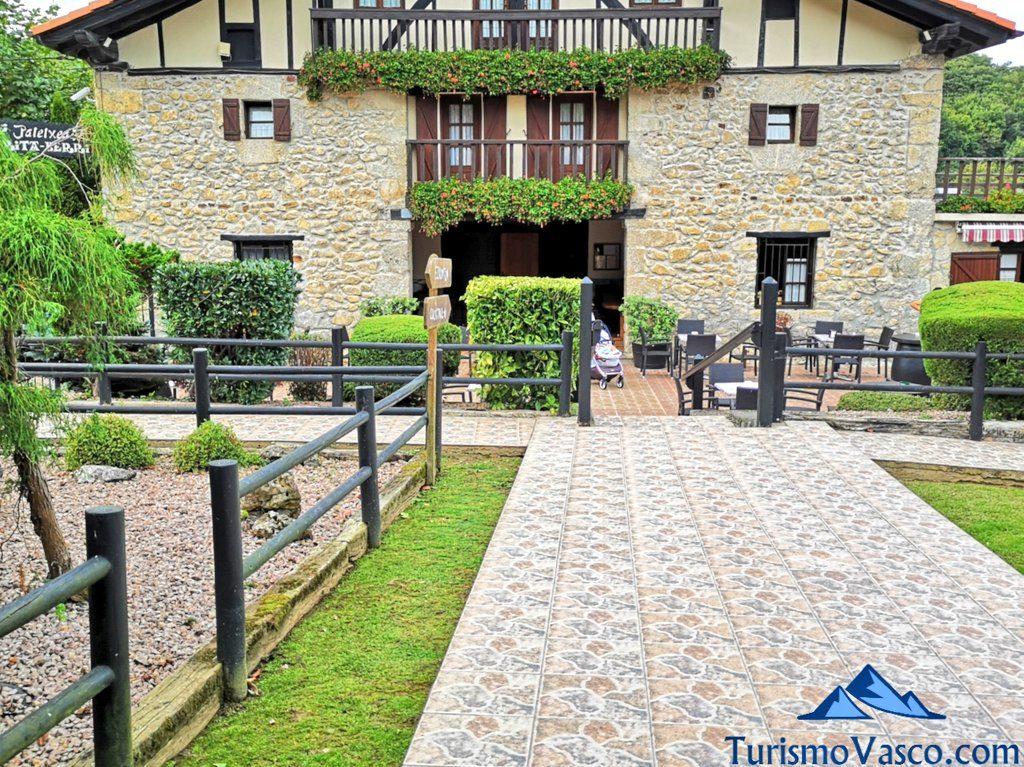 entrada restaurante Arita Berri, Gernika que ver y hacer