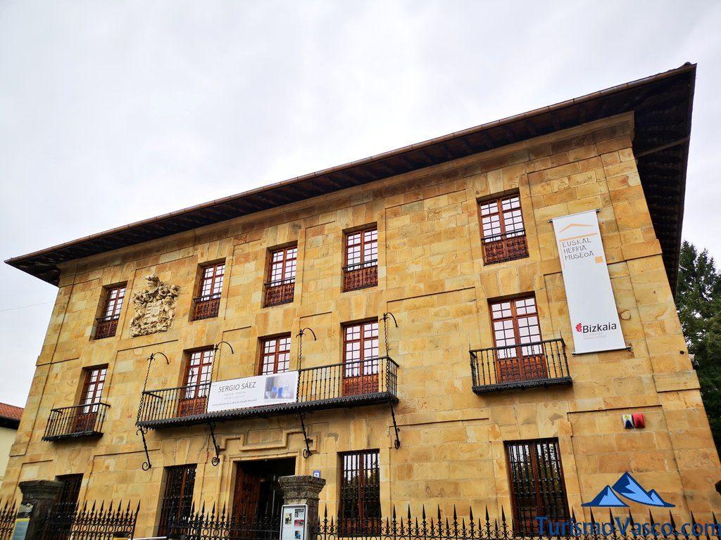 fachada museo euskal herria, gernika que ver y hacer