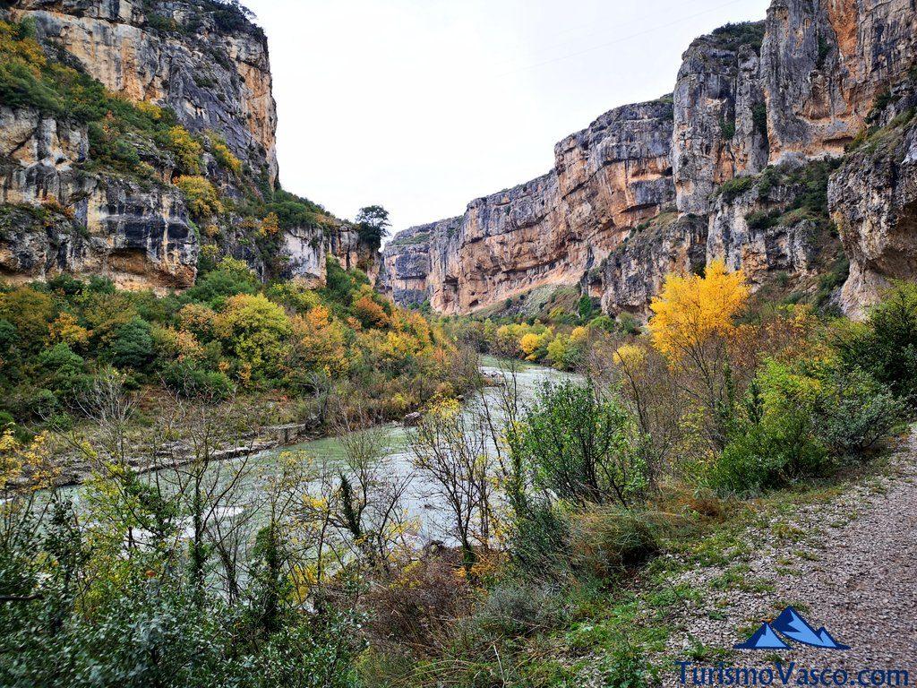 Foz De Lumbier Ruta Familiar En Navarra