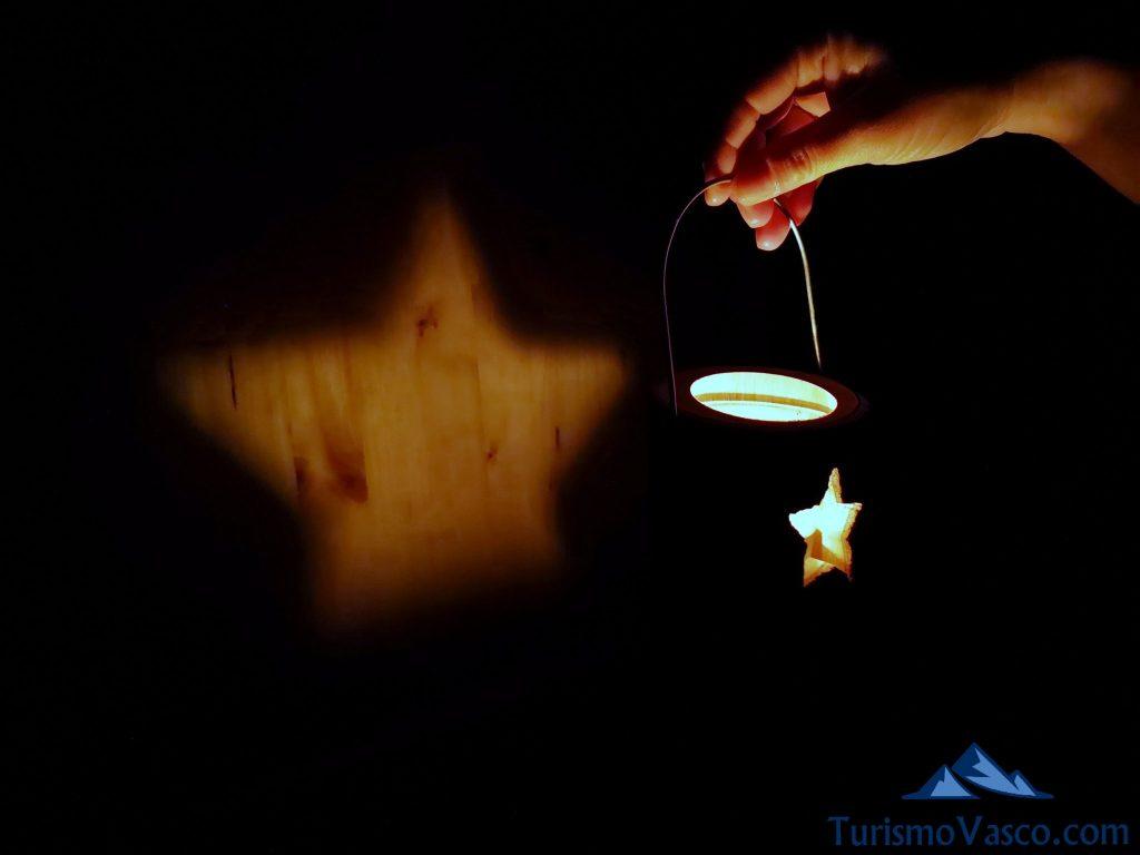 vela estrella, Cabañas en los árboles en el Pirineo Navarro