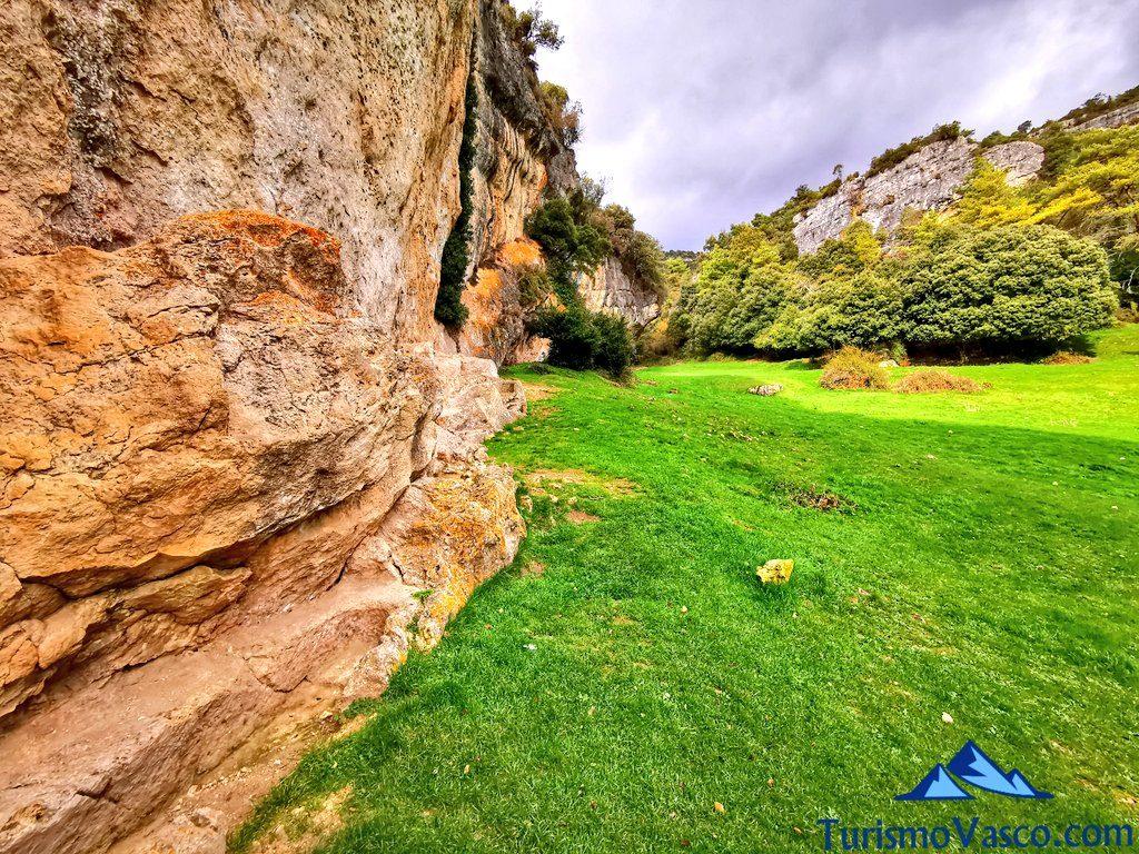 san martin de valparaiso tumba, cuevas de Valdegovía