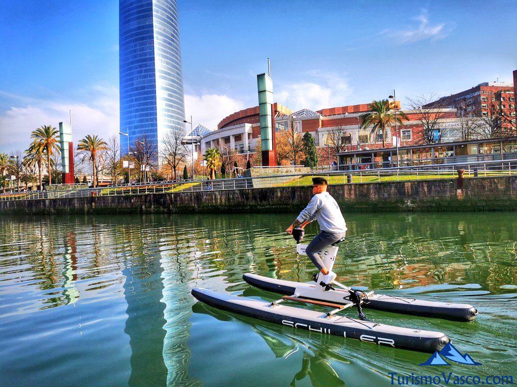 torre iberdrola, bicicletas acuaticas en bilbao, bicicletas de agua