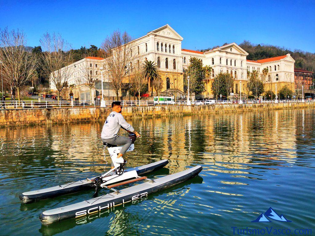 universidad de deusto, bicicletas acuaticas en bilbao, bicicletas de agua