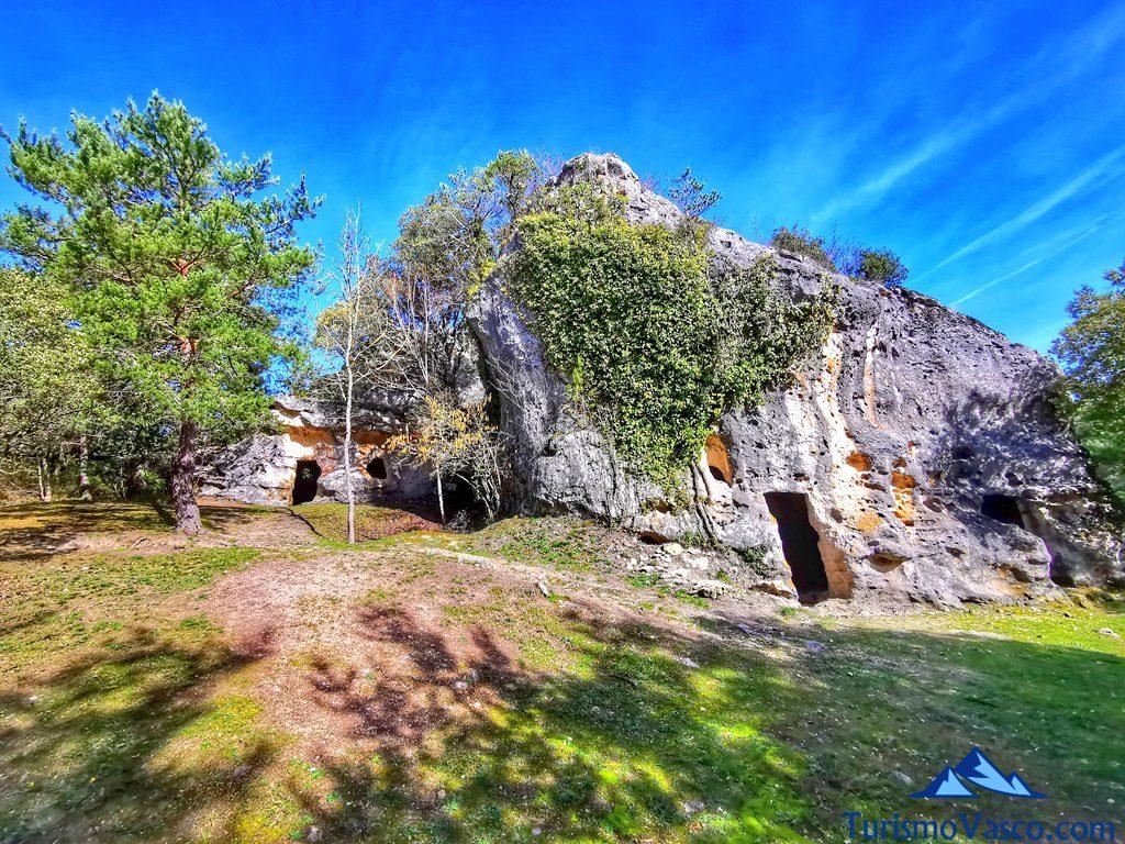 cuevas de corro, cuevas de Valdegovía
