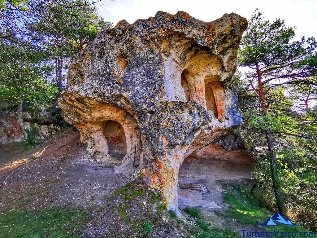 cuevas de pinedo, cuevas de Valdegovía