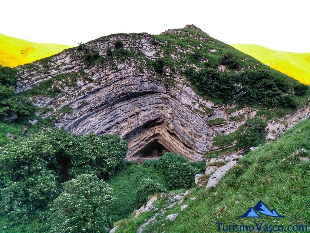 entrada, Cueva de Harpea, Arpea