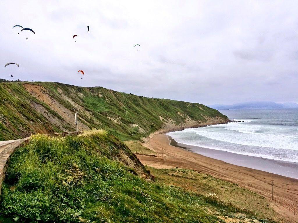 parapente en sopela, playas de sopela