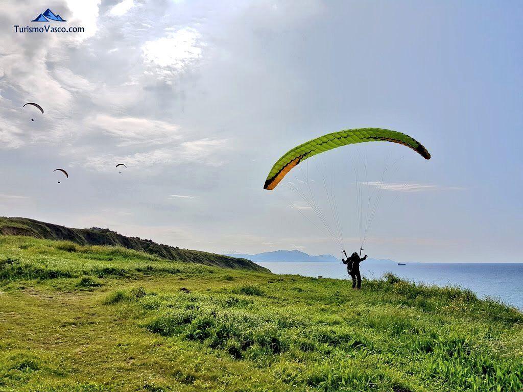 salto, vuelo en parapente en sopela