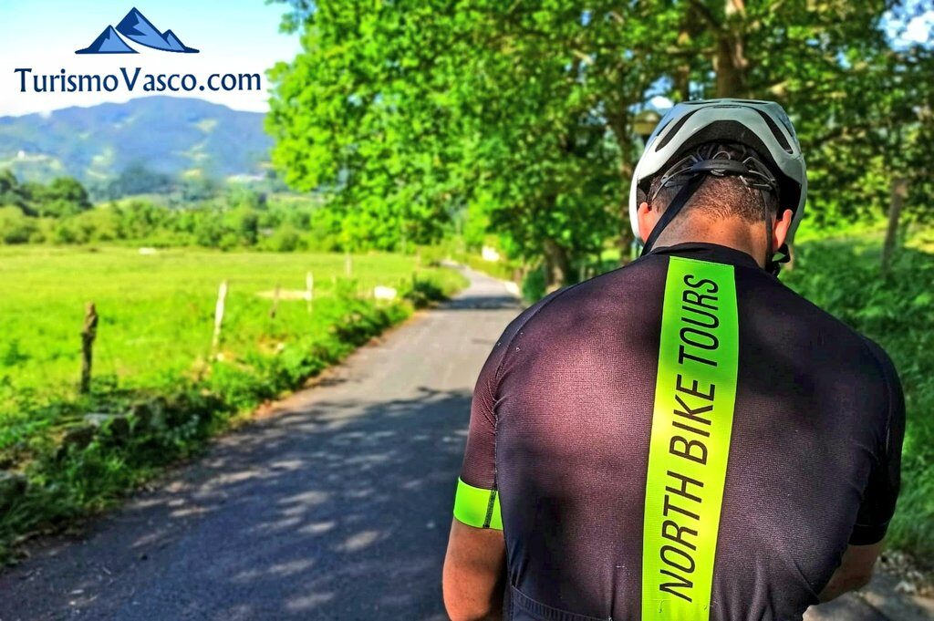 ciclista, rutas en bici en euskadi, cicloturismo en euskadi