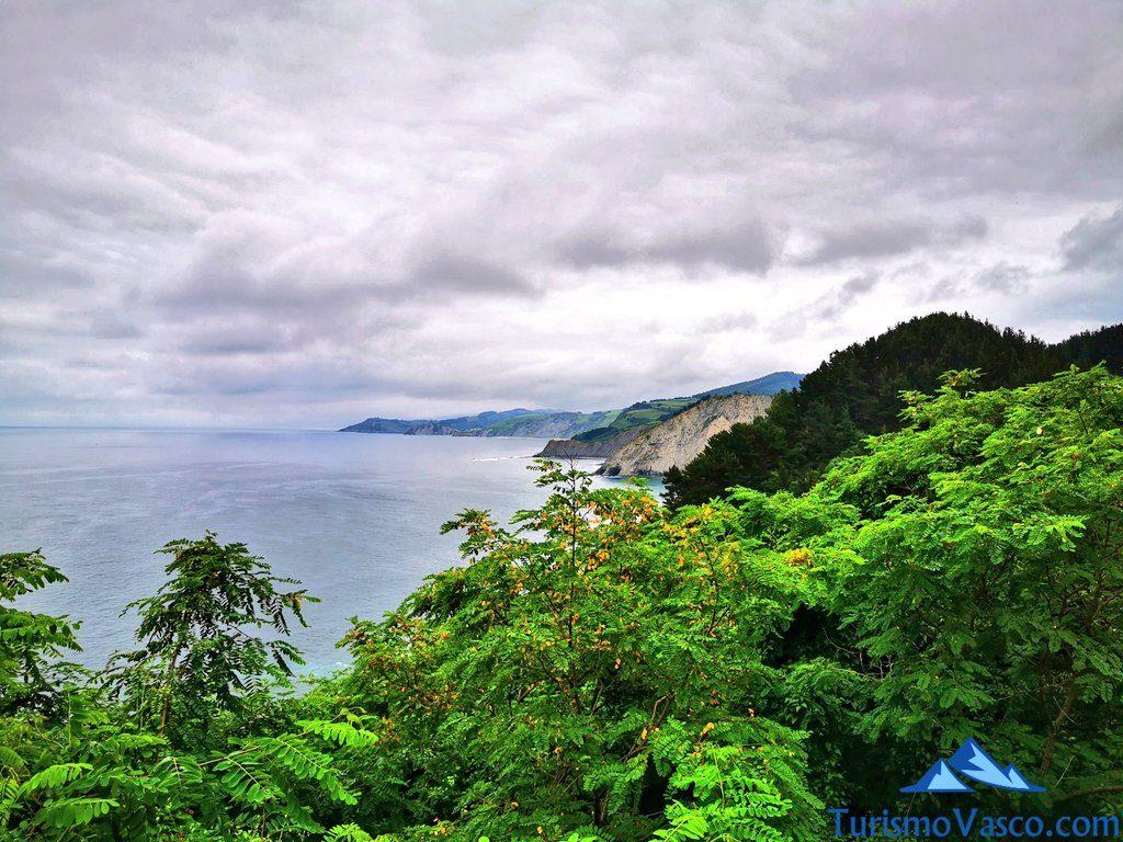 entre el mar y el monte, miradores de Deba