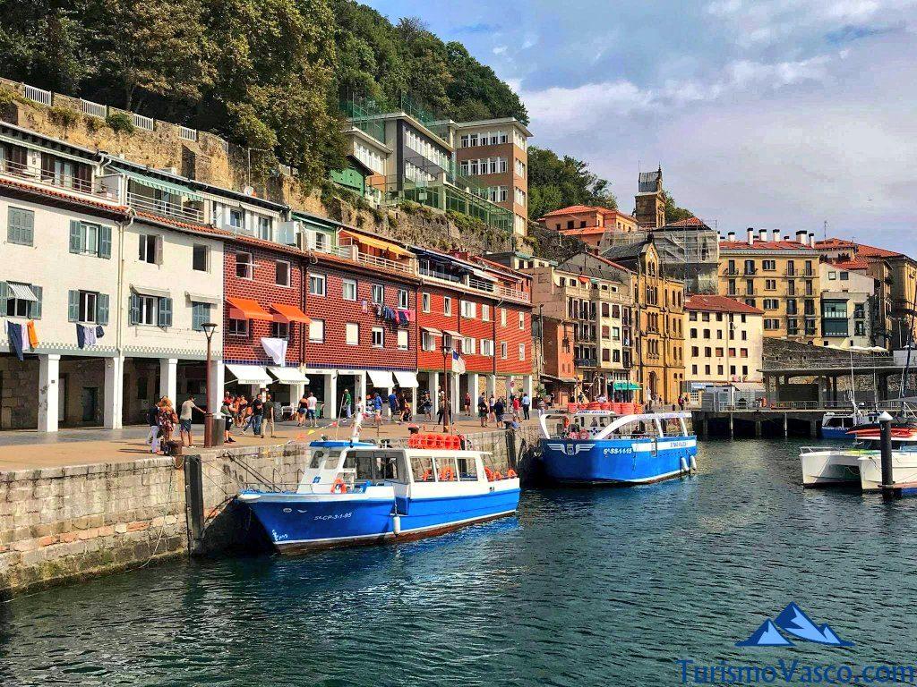 motoras de la isla puerto donostia, rutas en barco en Donostia San Sebastian