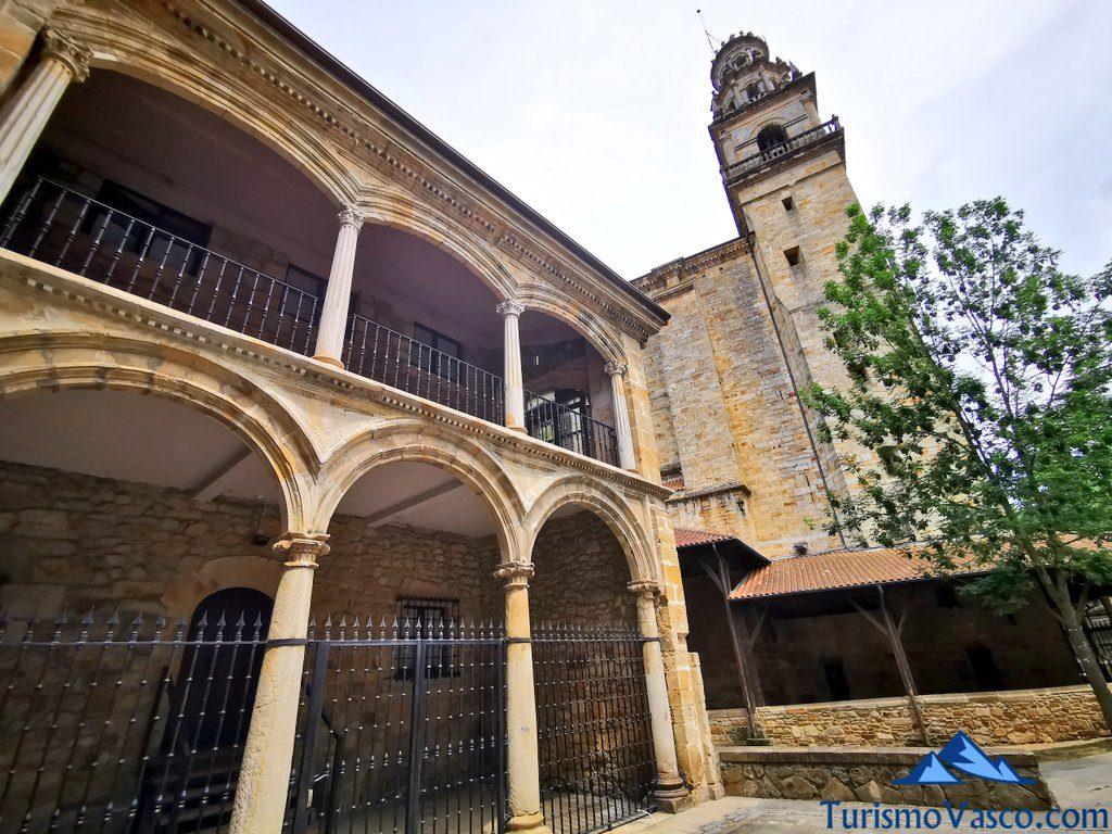 palacio arabio elorrio, Elorrio que ver