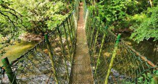 puente colgante, ruta río Baia La Encontrada Lukiano