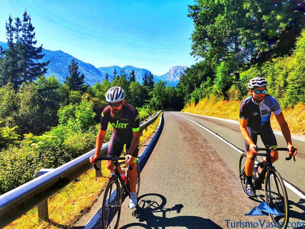 ruta de carretera, rutas en bici en euskadi, cicloturismo en euskadi