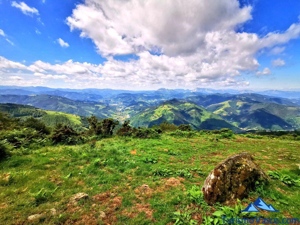 ruta de los dolmenes Karaketa Irukurutzeta