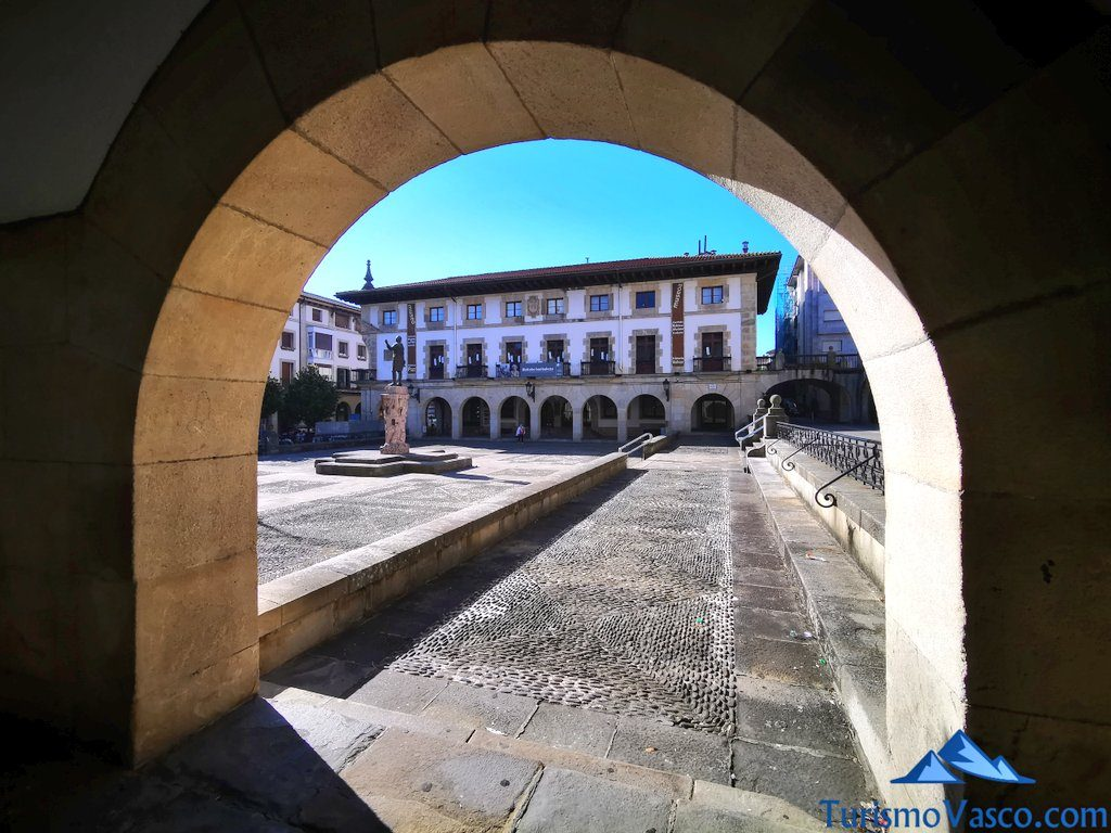 museo de la paz de Gernika, rutas guiadas en Gernika
