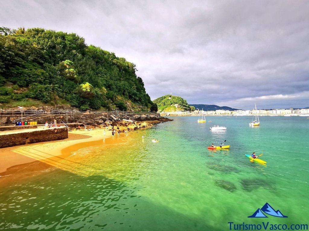 playa santa clara, rutas en barco en donostia san sebastian