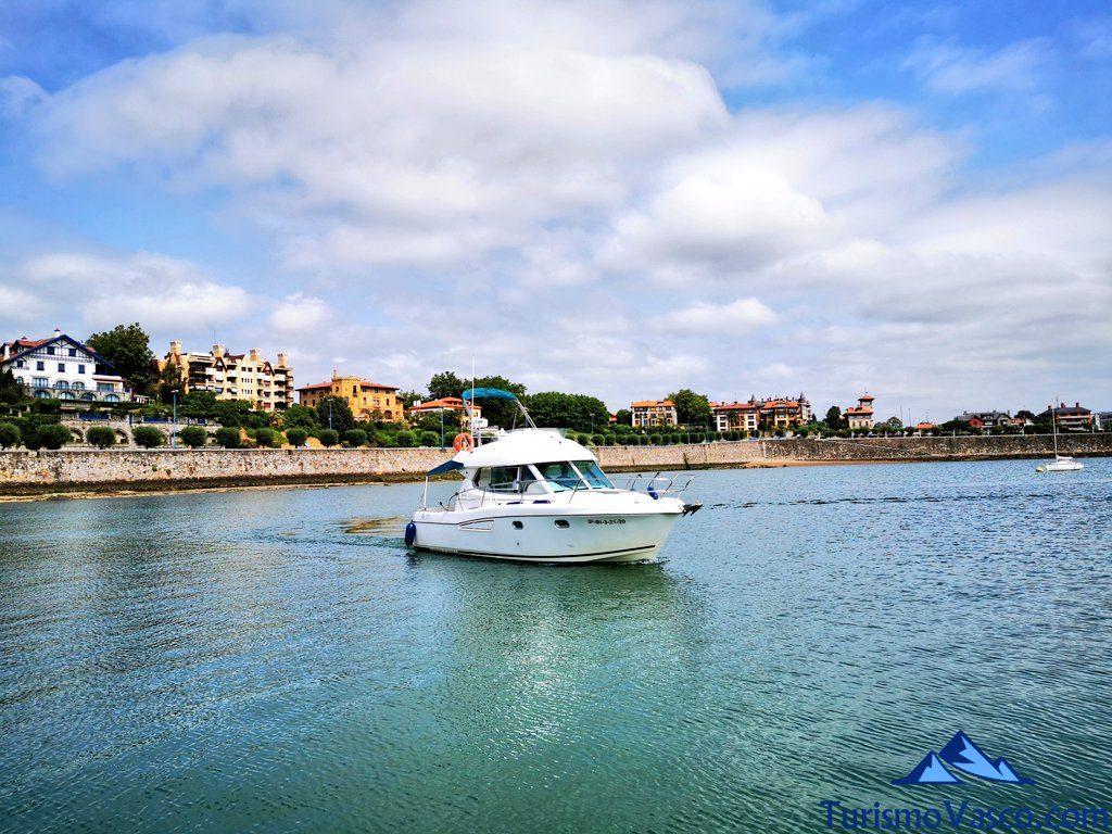 polaris bi, barco, ruta en barco a los acantilados