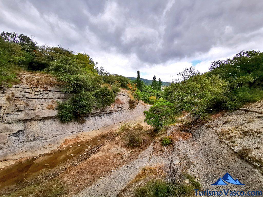 barranco de Goros,ruta cueva de Los Goros