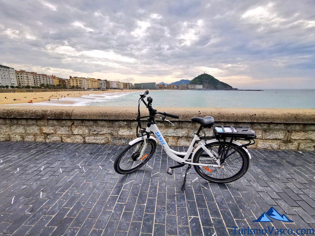 bicicleta paseo maritimo, alquiler de bicicletas en Donostia San Sebastian