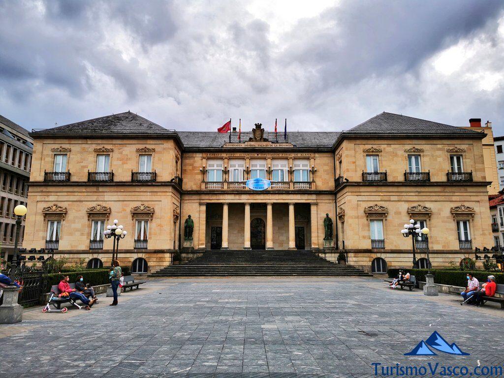 diputación foral de araba, palacio de la provincia, Qué ver en Vitoria Gasteiz
