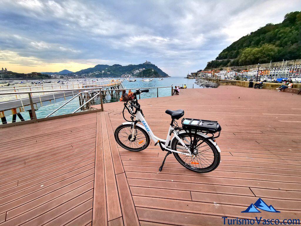 escaleras del nautico de san sebastian, alquiler de bicicletas en Donostia San Sebastian