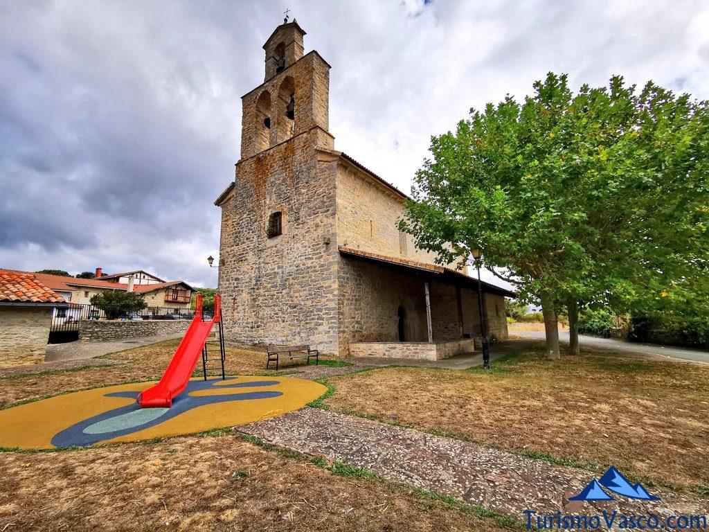 iglesia de hueto arriba,ruta cueva de Los Goros