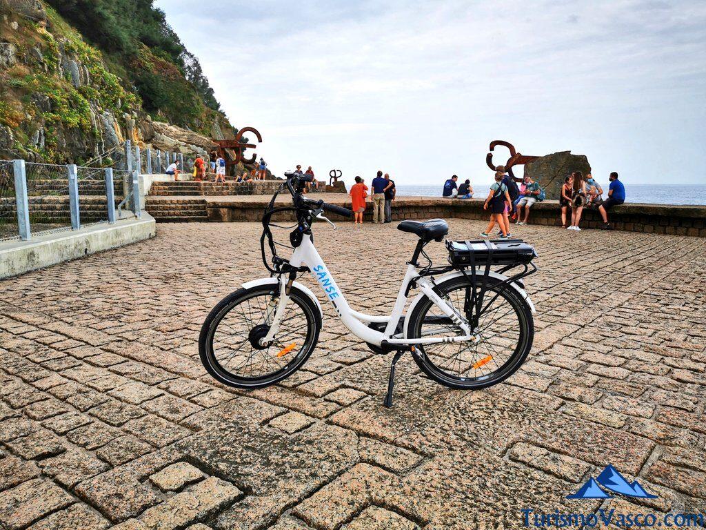 peine del viento en bici, alquiler de bicicletas en Donostia San Sebastian