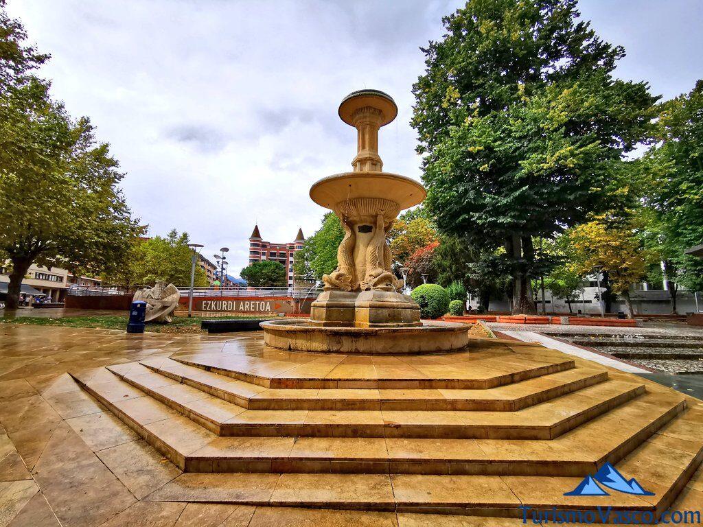 fuente plaza ezkurdi en durango, Durango que ver