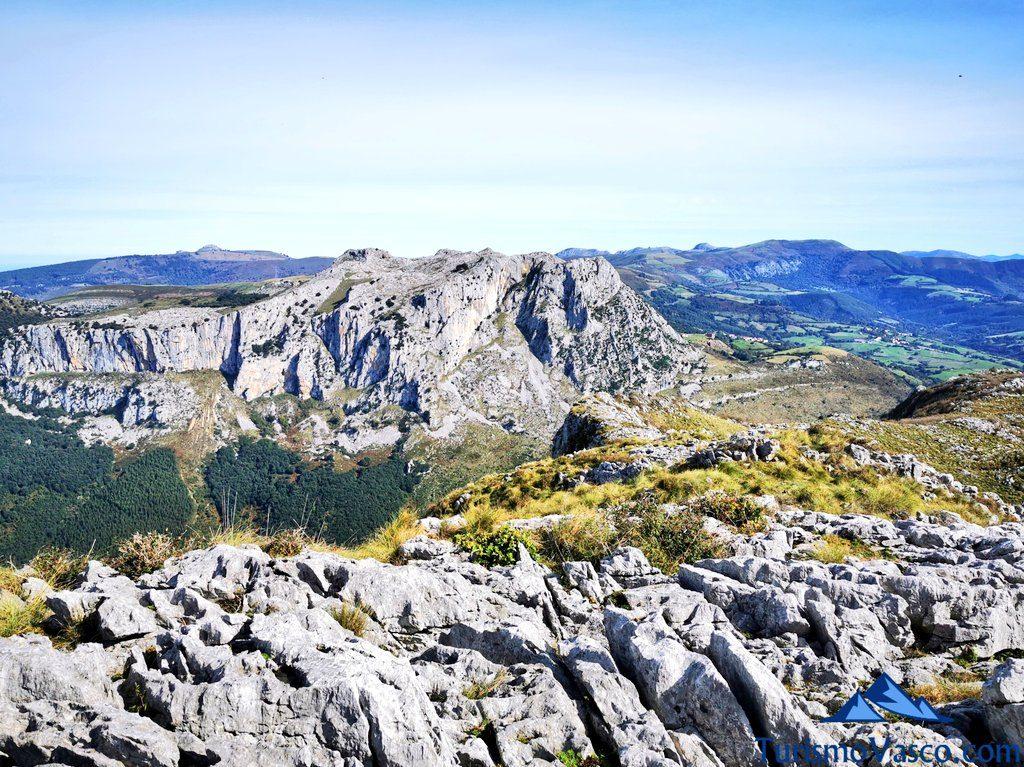 montes de karrantza, Ventana Relux Karrantza
